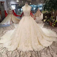 Sexy Sleeveless Wedding Dress With Detachable Train V- Neck A...