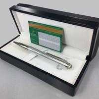 ensemble stylo de luxe design unique Couronne célèbre fournitures de bureau stylo bureau et métal école résine Option stylo à bille cadeau boîte en bois noir