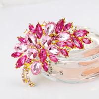 Grande taille plein cristal Accessoires Petite fleur grappe Feuille pourpre pour les femmes de mariage Broches couleur or Broche Bouquets Bijoux