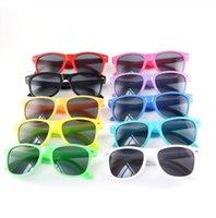 عالية الجودة الاطفال الرضع لطيف المضادة للأشعة فوق البنفسجية نظارات الشمس التظليل في الهواء الطلق نظارات مكبرة فتاة بوي السفر أنواع ملونة 12 الألوان