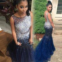 Abendkleider African Navy Blue Dresses Abiti da sera Sirena Lungo Pageant Gowns Backless Major Crystals Beaks Prom Party Dress