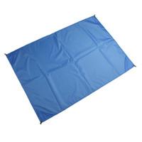 Tapis de plage compact de poche de preuve de sable de couverture de plage de couverture de 1,4 * 2m pour extérieur, tapis imperméable de pique-nique pour le voyage, augmentant, camper pour la famille
