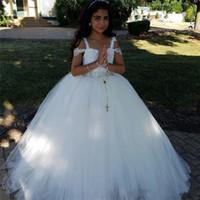 Yeni Ucuz Kabarık Çiçek Kız Elbise Düğün İçin Dantel Aplike Boncuk Kolsuz Tül Kız Pageant Elbise Çocuk Bebek Çocuk Communion Abiye