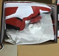 مع صندوق 2020 رجل وامرأة كرة السلة أحذية رياضية شيكاغو أحمر أبيض أحذية عالية الرياضة المدربين 55508-101 US5-12