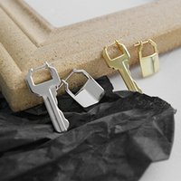 925 الفضة الاسترليني غير المتماثلة قفل ومفتاح الأطواق حلق الذهب حلق صغير الهندسة الأذن مشبك أنيقة النساء اليومية القرط
