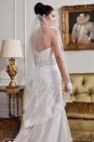 2019 Новые 1.38 М 1 т белый / слоновая кость свадебные вуали кружева аппликация край кончик пальца длина свадебная фата невесты с гребнем на складе Бесплатная доставка CPA815