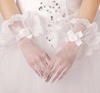 2019 ريال صور الزفاف قفازات الدانتيل الأبيض كامل طول المعصم قفازات الزفاف تول اكسسوارات الزفاف رخيصة