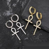 Iced zircon ankh kors örhängen guld silver färg micro asfalterad bling cz sten örhängen för man kvinnor hip hop smycken
