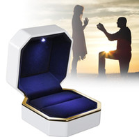 LED Light Diamond Ring Box Jewelry Gift Wedding Proposal Eng...