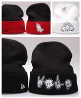 Wholesale Личность Тай шапочки мужество редкие левые боковые люди флаг пользовательские вязаные шаповые шапки, левая сторона Гарфилд POM POM Beanie, горячая рождественская распродажа
