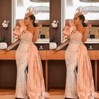 2020 Arabisch Aso Ebi Spitzen Perlen Abendkleider eine Schulter-Nixe-Abschlussball-Kleid-preiswerte Partei-Abendgarderobe