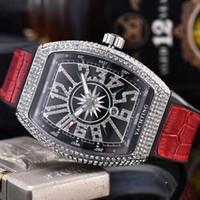 mens relógios de luxo top marca movimento de quartzo para fora congelado relógio vanguarda cheio de diamantes caso pulseira de couro designer de relógio à prova d'água homme Montre