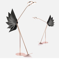 PostModerne LED Lumière Lumière Lumière Lumière Simple Villa Modèle Chambre Mode Lampe de sol LED autruche Flamingo Flamingo Lampadaire de sol décoratif pour salon