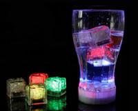 1200PCS 높은 품질 플래시 아이스 큐브 물 활성 플래시 라이트는 파티 음료 막대 크리스마스에 대 한 자동으로 물 음료 플래시 넣어