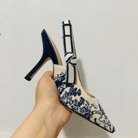 Carta de la venta caliente del nudo del arco zapatos de tacón alto de las mujeres pista punta estrecha de tacón bajo los zapatos de mujer sandalias de señora Shoes Gladiaor diseño de marca de malla plana