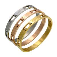 Nueva marca de moda de lujo números romanos del taladro del sistema amante de las mujeres hebilla de la tarjeta de acero pulsera de titanio pulsera