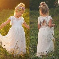 Sheer niña de las flores de la vendimia vestidos de encaje completa cuello de la joya de las colmenas de mangas abiertas Volver vestidos de Flowergirl con el arco por encargo
