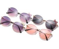 2020 أطفال بنات النظارات الشمسية الأزياء جولة إطار metail لمحيط الشمس لنظارات الأطفال الانحناء شاطئ مكبرة UV400 طفل ريحلات Adumbral C6172