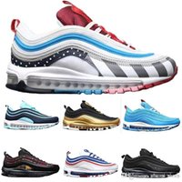 97s Hot Brand Uomini Donne attenuato scarpe da corsa Triple bianco Balck Gold Fashion Sneaker sport Designer Shoes 36-45 Walking
