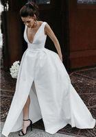 진짜 사진 여성의 섹시한 라인 딥 V - 목 롱 화이트 새틴 웨딩 드레스 슬릿 바닥 길이 민소매 웨딩 파티 드레스