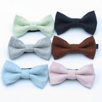 Baby Barn Wool Bow Slips 10 * 5.5cm 12 Färger för pojkar Bowtie Solid Färg Barn Kids Bowknot Slipsar Gratis FedEx TNT