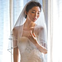 New Best Selling White Ivory Red Champagne Yellow Wedding Veil Wrist Length Two Layer Bridal Veil Beaded Edge Hand Nailed Beads Alloy comb