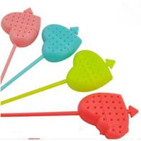 TEAS STRAINER Una flecha a través de una forma de corazón Herramientas de té de plástico MULTICOLOR MULTICOLOR SEND LXL1230-L