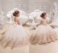 2019 Backless Lace Ball Gown Flower Girls Abiti Champagne Applique Piano Lunghezza Bambini Pageant Abiti Little Girl Birthday Party Dresses