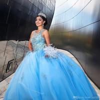 Sky Light Blue Princess Ball Gown Quinceanera gioiello Hollow Indietro sweep treno Maggiore perline Appliques promenade del partito di abiti per le Sweet 15