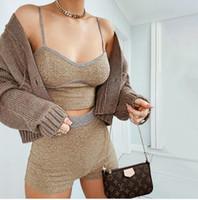 قطعتين المرأة مجموعة عادية للياقة البدنية أنثى تانك الأعلى البارات واللباس قصيرة سروال بدلة رياضية تمتد الصيف