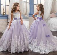 2019 Vestido Primeiros Santos Comunhão Vestidos lavanda vestido de baile Flor Meninas Vestidos Lace Applique Beads lantejoulas Jewel Neck Tulle Sashes crianças
