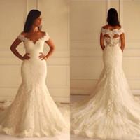 Impresionante Talla grande Sirena Vestidos de novia Ajuste y Flare Encaje Apliques Vestidos de novia con cuello en V del hombro Hecho a medida