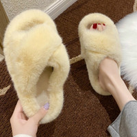 Home Frauen-Pelz-Folien Mode Faux-Pelz-warme Indoor Damenschuhe Pelz Wohnungen Slip-on Indoor Slides Beige Black Women Slippers