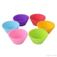 Nuovo 2019 Stampi per cupcake in silicone Stampi per muffin Custodie per cupcake Antiaderenti Resistenti al calore Stampi per dolci Commestibili