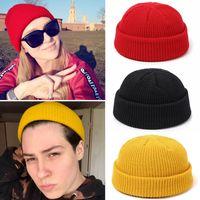Sombrero femenino unisex Mezclas polyster sólido suaves calientes de HIP HOP hicieron punto los sombreros invierno de los hombres Caps muchacha al por mayor Por Skullies Gorros de mujeres