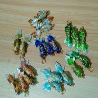 150 unids Hecho a mano Cloisonne Filigree Lindo KOI Pescado Encantos de esmalte Llavero Colgante DIY Goldfish Joyas Fabricación para Pendientes Pendientes Collar Anklet