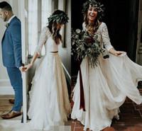 2019 rustique Une ligne à manches longues en mousseline de soie dentelle robes de mariée col en V Une ligne avec boutons Country Style Robes de mariage Robe de mariée pas cher