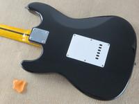Verkäufer Kredit guter Stil ST-Modell E-Gitarre schwarz Korpus Ahorn Hals Harfe