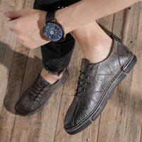 Chaussures en cuir décontractée classique Homme Mode Homme lacer Verni Noir Hommes Gris Talon plat Chaussures de sport d'hiver Bottes en cuir% 9966