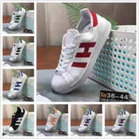 2019 Designer shoes Adidas men women Super Star Holograma blanco Iridiscente Junior Superstars 80s Pride Womens Hombre Entrenadores Superstar zapatos casuales Tamaño 36-45