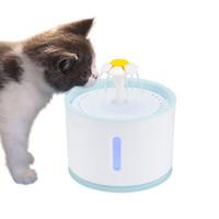 Gato 2.4L Automatic Pet Fuente de agua con el perro de animal doméstico del gato Silencio Bebedor alimentador Pet Bowl USB LED eléctrico Fuente de agua del dispensador