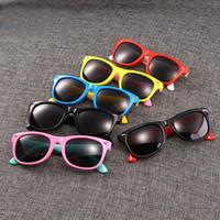 Silicón de la manera clásica de radiación gafas de sol polarizadas gafas de sol para bebés Gafas para niños