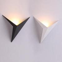 LED Duvar Lambası Modern İskandinav Armatür Kapalı Demir Duvar Işık Alüminyum İç Aydınlatma Ev Salon Sundurma Beyaz Lambası Isınma