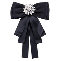 Women White Crystal Buckle Brooches Bar Invitation Ribbon Chair Covers Slider Sashes Bows Buckles Fashion Accessories