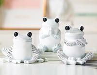 Nordic Resin Yoga Frog Tiermöbel Kreative Dekoration der Wohnzimmer Veranda Desktop Resin Home Statuen