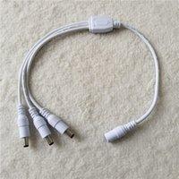 CC 5,5 * 2,1 mm audacieux 1 à 3 câbles d'alimentation de diviseur 12V pour le blanc chargé d'alimentation de moniteur 40cm