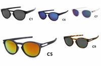 10pcs / lot HEISS, neue populäre Latch Sonnenbrillen für Männer Frauen Mode Sport Runde Sonnenbrille Googel Artgläser.