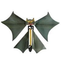 Nuevo bate mágico volando cambio de murciélago con las manos vacías libertad bate magia apoyos trucos de magia C5914