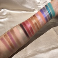 2019 Mais recente Beleza envidraçadas Sombras Misteriosas paletas 18 Cor dos olhos sombra paleta Shimmer Matte Paleta de Sombra DHL