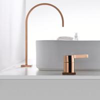 Bacino rubinetto del bagno super-tubo lungo due fori in oro rosa bagno diffuso rubinetto del lavandino del rubinetto 360 rotazione diffusa bacino Tap